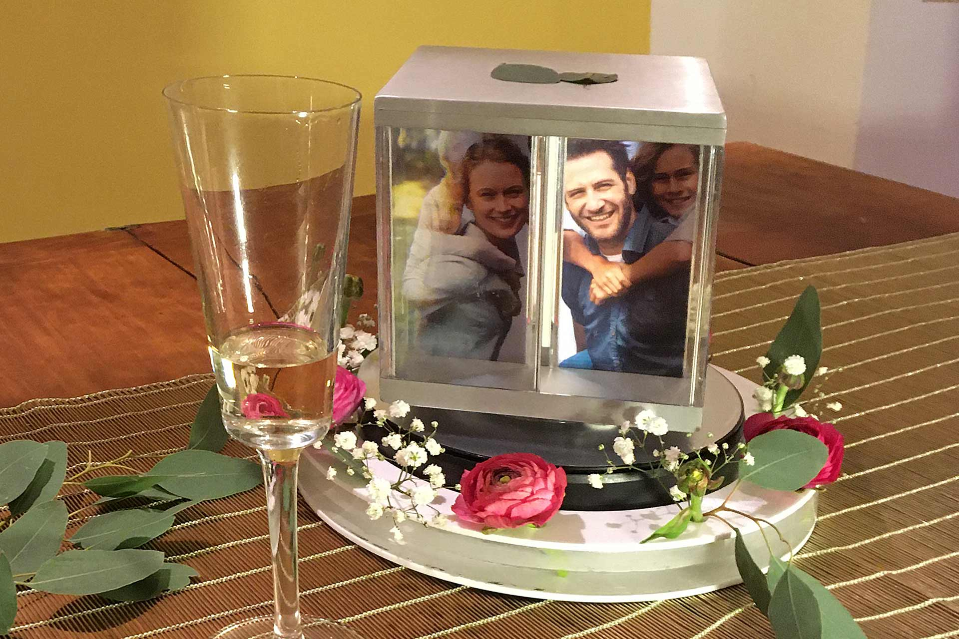 PixCube photoCube with flowers as decoration