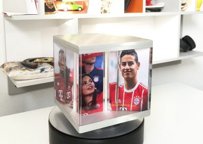 PixCueb photo cube with sports images